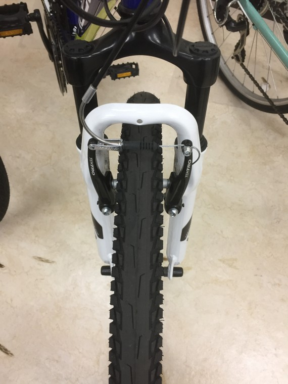 マウンテンバイクのタイヤ画像