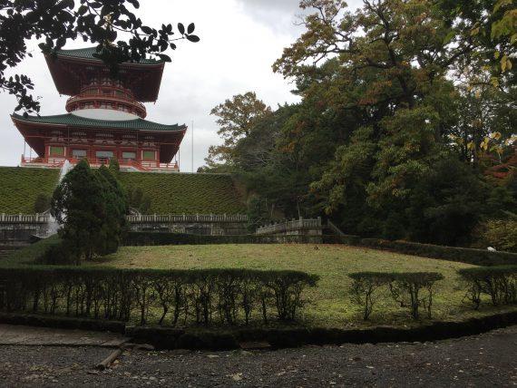 平和の大塔写真2