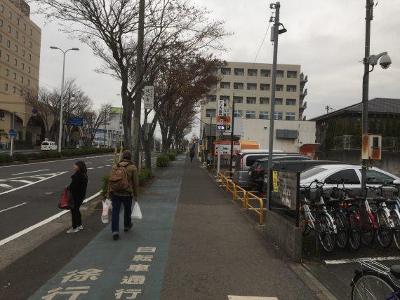 JR成田駅西口前
